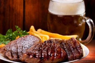 Фестиваль пива і м'яса у Луцькому замку