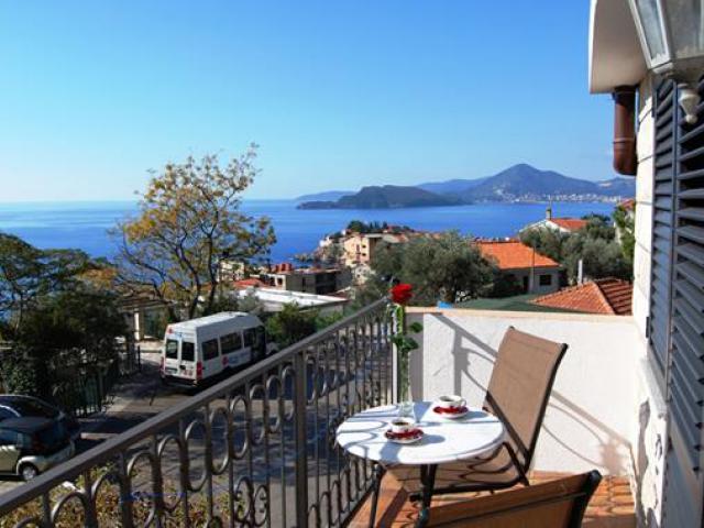 фото туру Чорногорія - чудовий адріатичний курорт для пляжного відпочинку, з прекрасною природою !