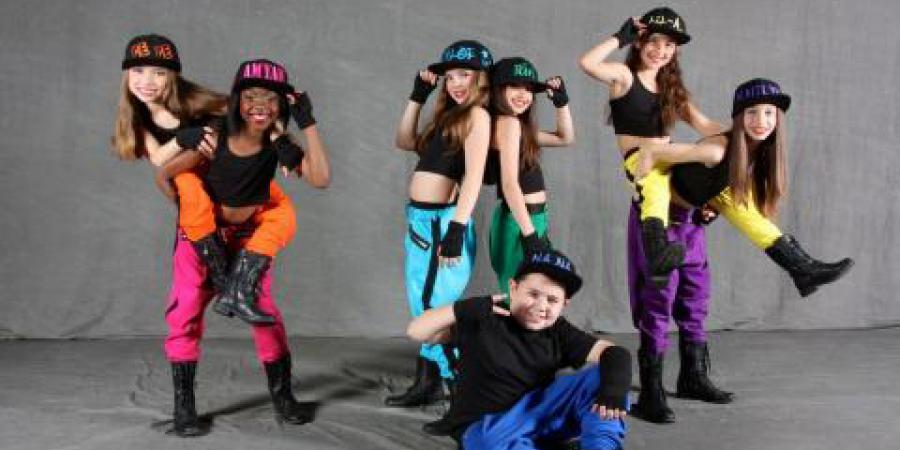 KIDS Dance - Сучасні танці для дітей вт, чт, сб 17.00 та 18.00