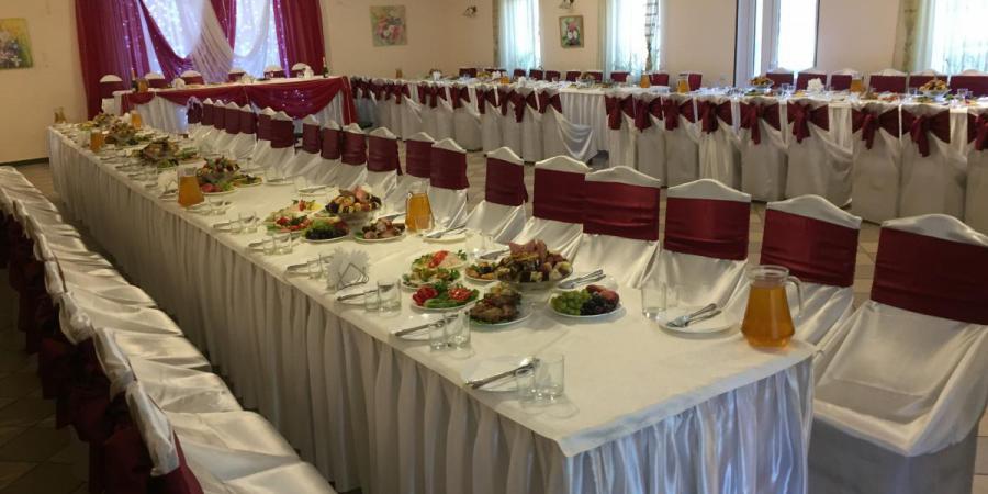 Слайдшоу закладу Ресторан в рекреаційно-оздоровчому комплексі «Мальованка», Ресторан в рекреаційно-оздоровчому комплексі «Мальованка»