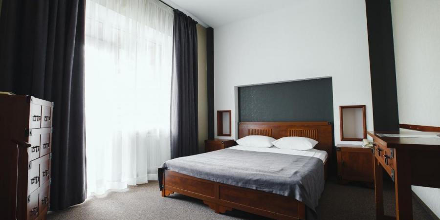 Слайдшоу закладу Срібні лелеки (готель), Срібні лелеки (готель)