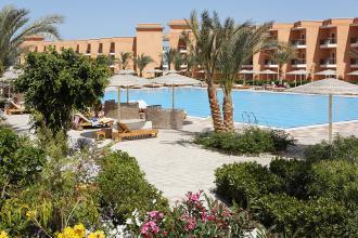 Готель  із неймовірно красивою територією!