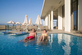 Новий готель приверне вашу увагу своїм розташуванням в неповторних красу Середземного узбережжя