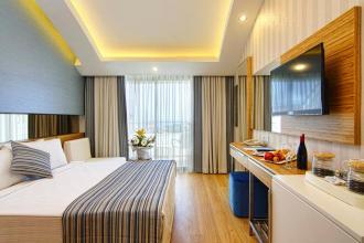 Новенький готель в Кемері
