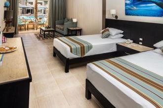 Чудовий готель на березі моря із великим аквапарком. (Єгипет зі Львова)
