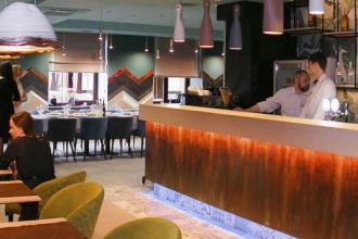 Ресторан  ZAGOROD  основний зал фотолатерея