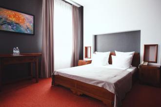 """інтер""""єр, Срібні лелеки (готель) фото #17"""