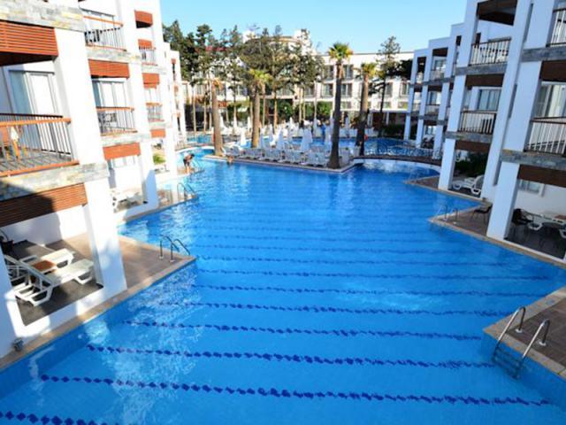 фото туру Сучасний готель на березі Егейського моря