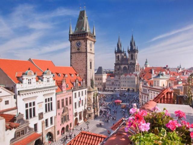 фото туру Празька цукерочка  Прага, Карлові Вари, Замок Штейнберг +Дрезден