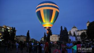 постер У Луцьку в червні – фестиваль повітряних куль «Аеросфера»