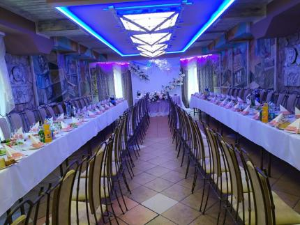 """фото Весілля в кафе """"Квартал теремнівський"""""""